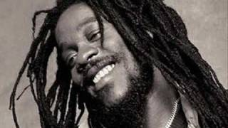 Dennis Brown - 3 Meals a Day / Dub