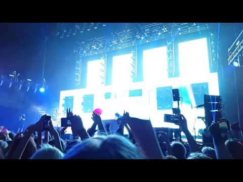 Twenty One Pilots - Car Radio @ Oslo 29/10/2016