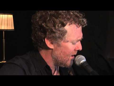 Glen Hansard - Love Don't Leave Me Waiting (Live)