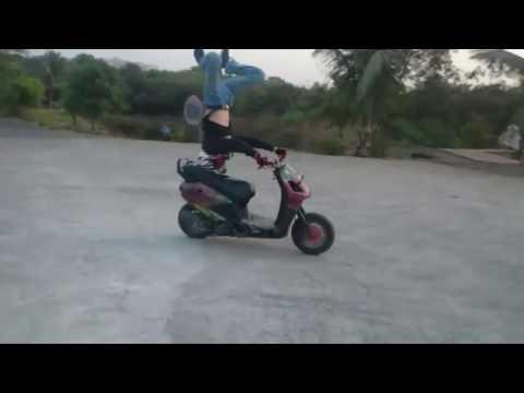Crazy Guy Reverse Bike Stunts | Extreme Headstand Bike Stunts | India Got Talent | Talentdunia