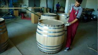 Making Oak Barrels For Wine