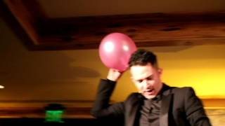 Cupcake Wars Host Justin Willman Does Magic! Phone in a balloon trick