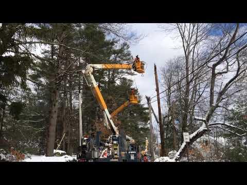 Hydro Quebec crews work in Pembroke
