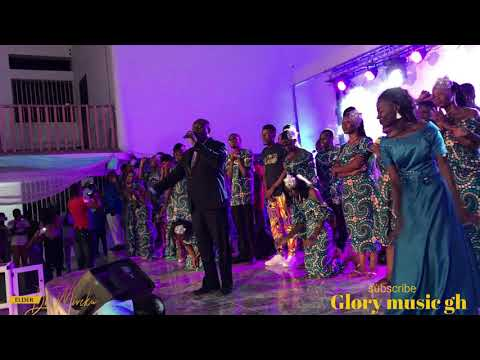 elder-mireku-live-worship-and-praises-ministration