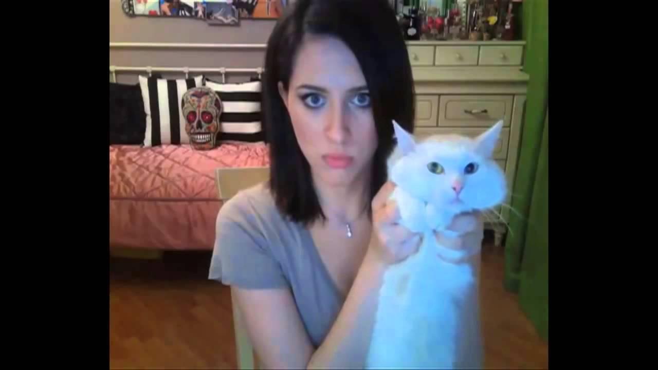 Девушка общается по скайпу с парнем видео фото 691-165
