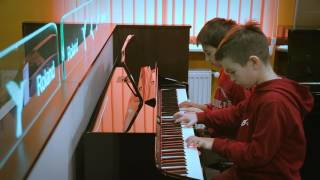 Уроки игры на клавишных в Черновцах. Обучение игре на пианино и клавишных в Черновцах