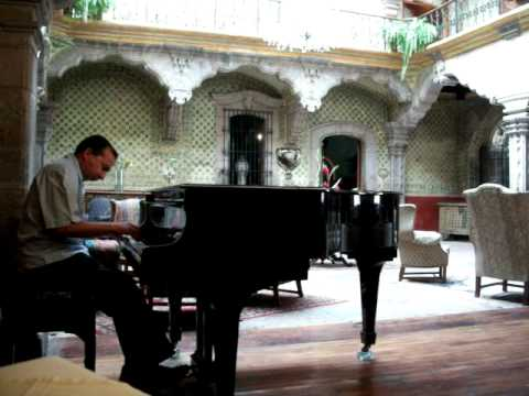 piano man ricardo mendoza en la casa de la marquesa