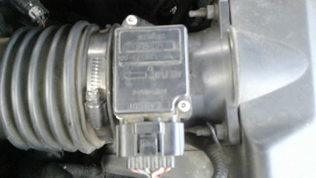 Como Limpiar un Sensor MAF de un Ford Escape 2002. - YouTube