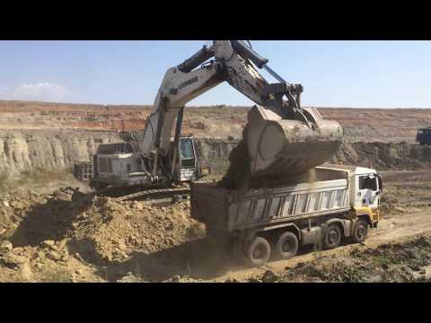 Liebherr 984 Excavator