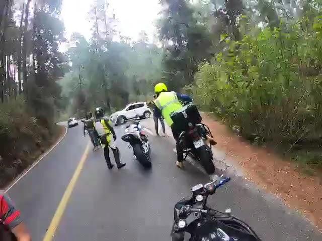 Investigan asalto a motociclistas en el Nevado de Toluca
