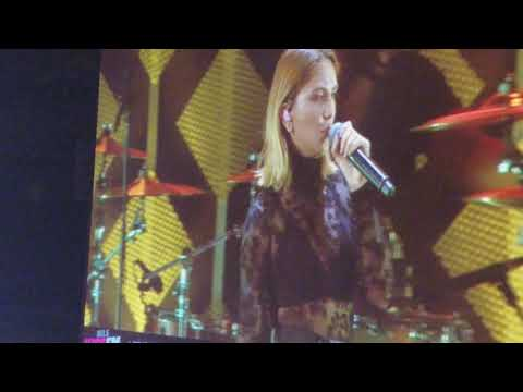 Julia Michaels - Medley of songs she's wrote & Issues (Live Chicago Jingle Ball 2017)