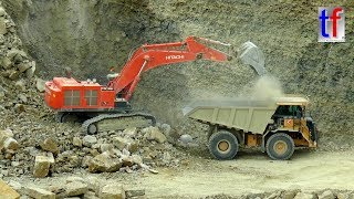 **Steinbruch** HITACHI ZAXIS 870 LCH & CATERPILLAR 775G Working in a Quarry, Germany, 2017.