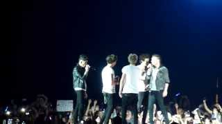 One Direction Singing I Want It That Way (Backstreet Boys)