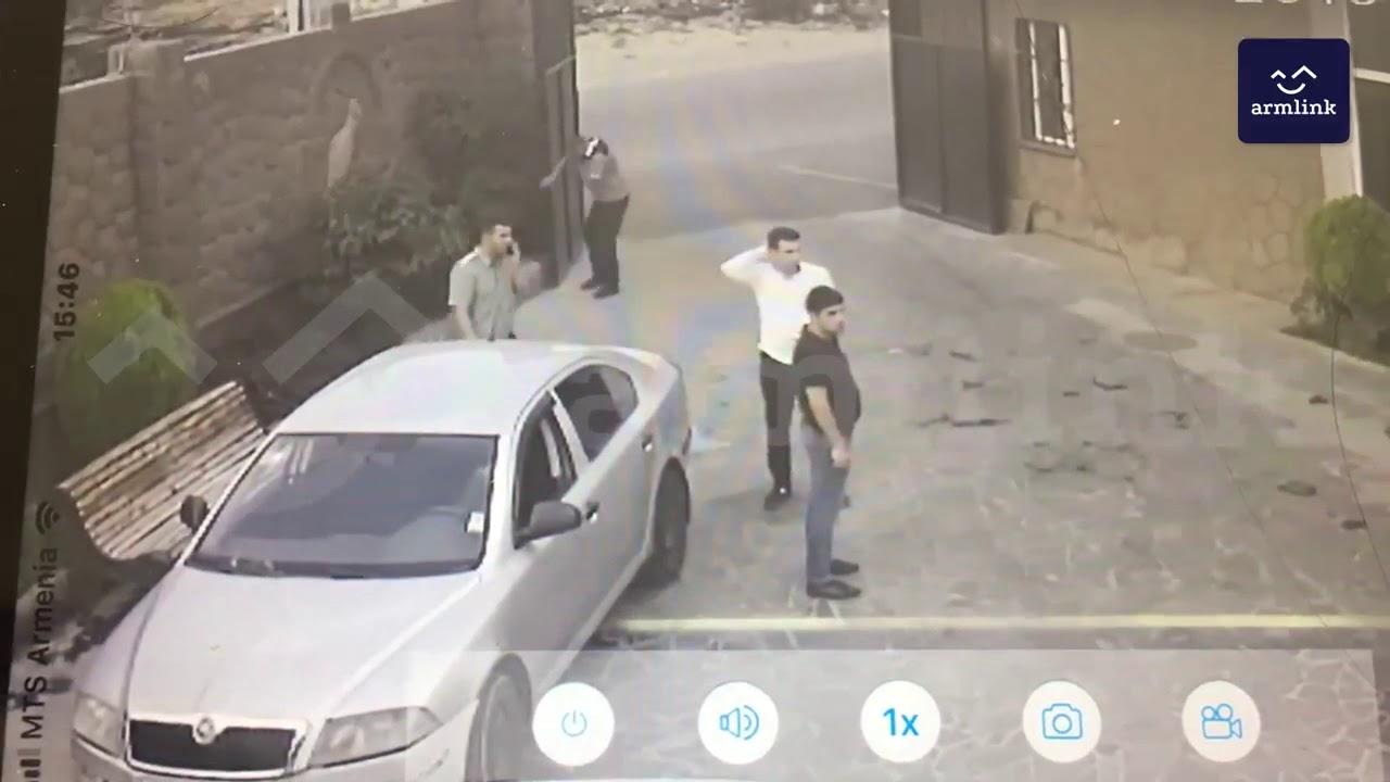 Տեսանյութ.Պլանավորված փախուստ.ինչպես է կալանավորը սգո սրահից փորձում փախչել՝ մոր թաղման ժամանակ