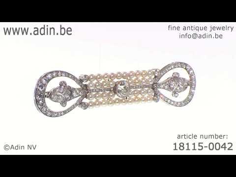Elegant platinum diamonds and pearls Art Deco Belle Epoque brooch. (Adin reference: 18115-0042)
