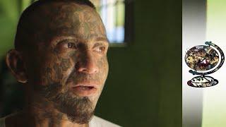 El Salvador's Most Violent Inmates Find God Behind Bars (Subtitled)