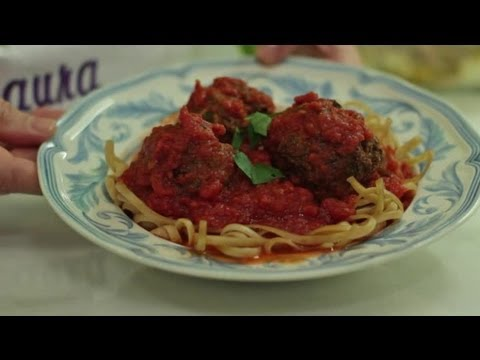 Turkey Meatballs With Parsley, Onions, Parmesan Cheese & Spaghetti Sauce : Healthy Meals