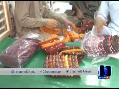 24 Report: Crowd to buy Sindhi cap in Kandhkot markets