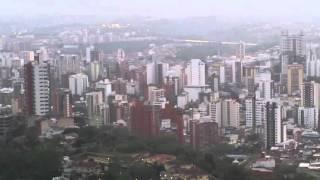 La bucaramanga moderna de los rascacielos opulente thumbnail