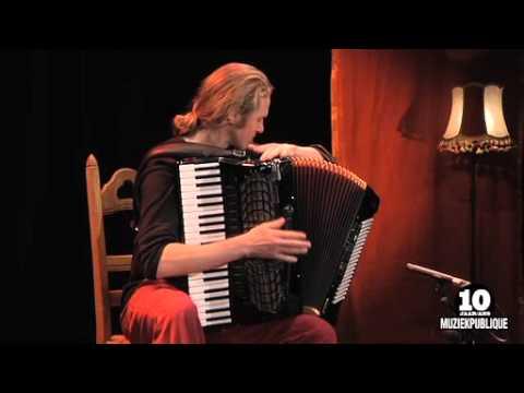 10 years Muziekpublique   Tuur Florizoone (accordeon): Wa Vinde Gij?
