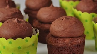 Brownie Cupcakes Recipe Demonstration - Joyofbaking.com