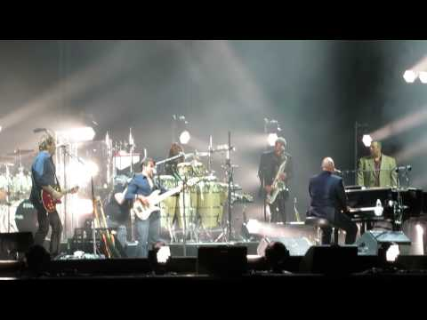"Billy Joel Plays a Cover of Sly & The Family Stone's ""Dance to the Music"""