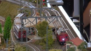 "Miniature Trains : HO Scale ""Town and Country"""