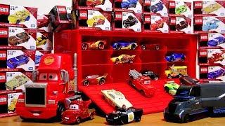 Gail and Mac race to crash! Cars tomica disney pixar Animated toys Mac | McQueen | Meter