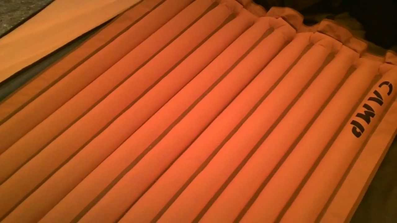 3d5b2b5b2 Isolante Inflável Essential Light Mat Camp - YouTube
