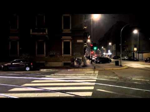 Итальянский светофор ночью