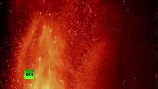 Извержение вулкана Этна в Италии (ВИДЕО)(В Италии проснулся крупнейший в Европе действующий вулкан Этна. Он выбрасывает в воздух столбы пепла, а..., 2013-03-07T06:35:23.000Z)