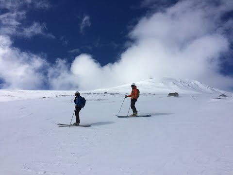 Telemark ski - check out modern skiing down Southern Norway´s largest mountain
