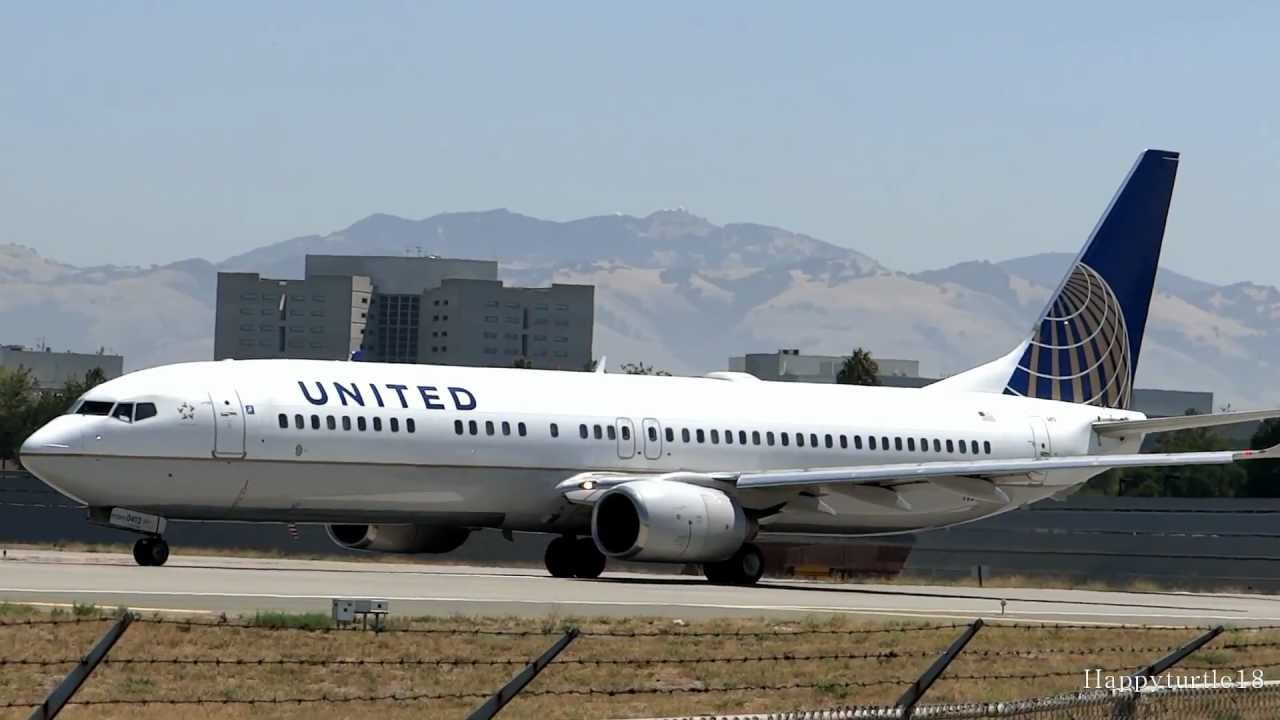 United Airlines 737 900 Close Up Takeoff From San Jose International Airport Youtube