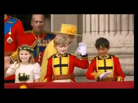 William kissing Kate Middleton - Royal Wedding 2011.flv