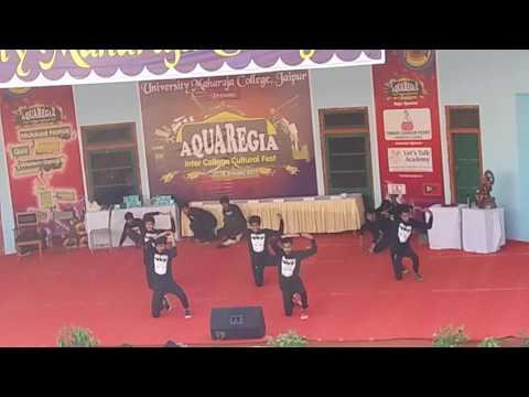 university maharaja college jaipur boys dance performence