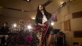 教則DVD『ゼッタイ泣ける!泣きのブルース・ロック・ギター超入門』より...