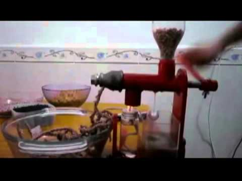 Oil Press Manual How to Operate,  Manual oil press, Make oil at home