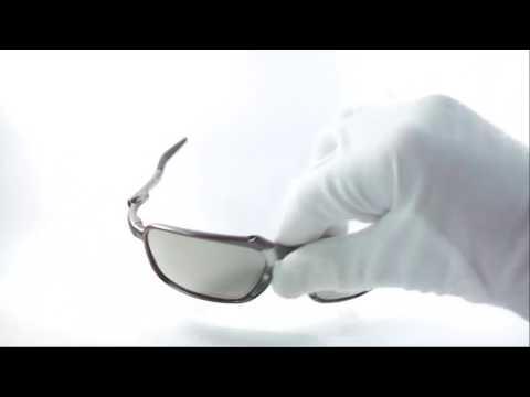 Gafas De Sol Oakley Badman Crystal Edition Polarized Av0118 - YouTube 3dda4bcb7c