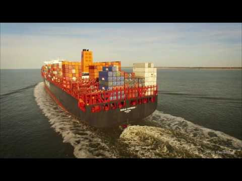 DJI Phantom 3 - Chasing the Hapag-Lloyd Basle Express (4K)