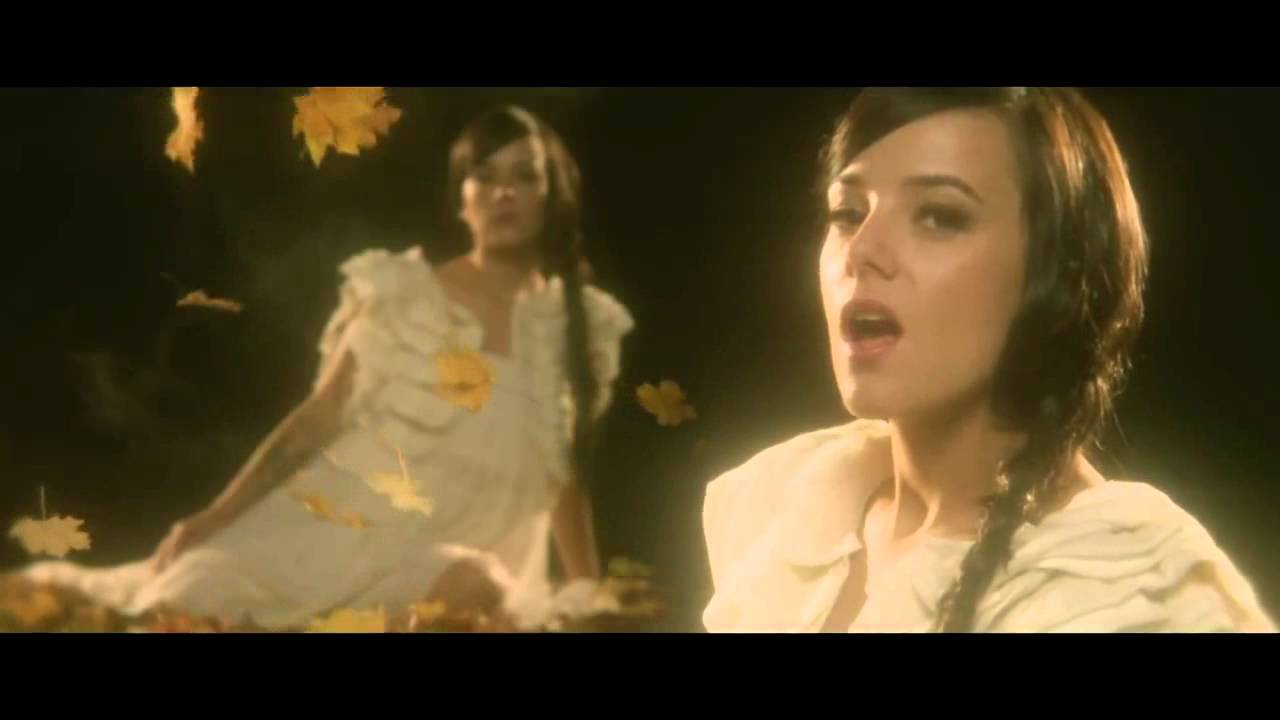 Alizee A cause de l'automne Official Music Video - YouTube