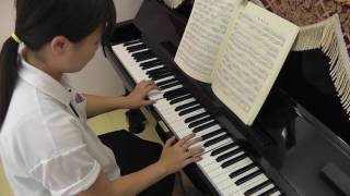 ピアノの演奏経験がなく、こども学科に入学した学生が毎日コツコツと練...
