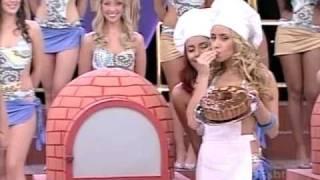 Na boca do forno -  Programa Fantasia - ( Hot brazilian babes shaking booty )
