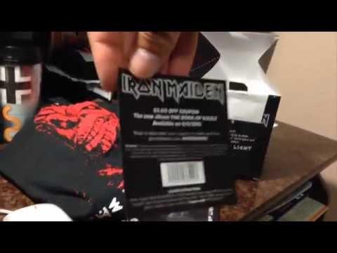 Speed of Light de Iron Maiden - Abriendo el paquete del single de BestBuy
