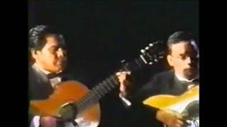 JULIO JARAMILLO - Cuando Llora mi guitarra (Compositor Augusto Polo Campos)