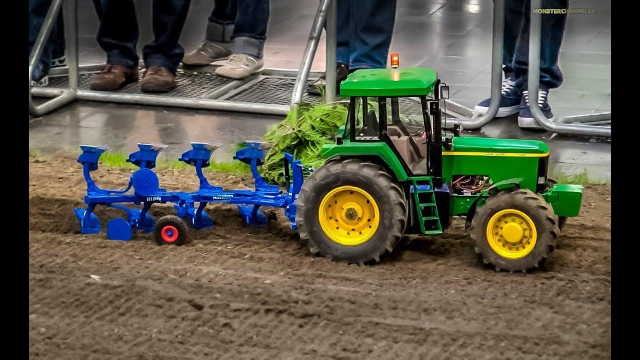 RC Tractor John Deere 7800 Plowing A Field BIG 1 8 Scale R C Model