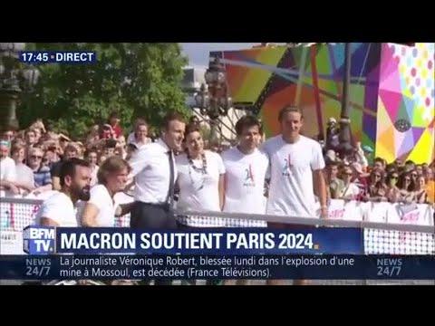 Emmanuel Macron joue au tennis en fauteuil roulant avec des athlètes handicapés