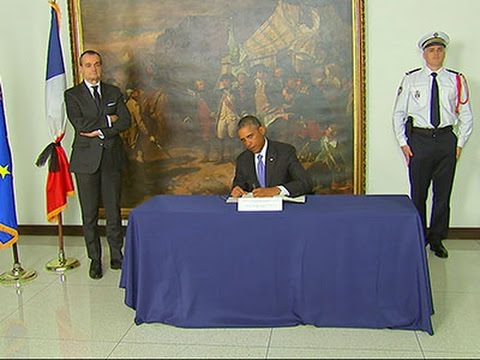 Raw: Obama Pays Respects at French Embassy