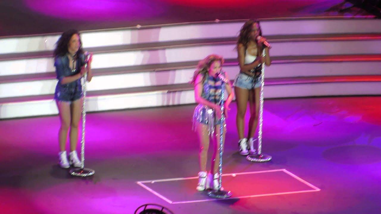 """Download #2 Jennifer Lopez - """"I Luh Ya Papi"""" Her New Song (Live Concert in Meydan Dubai 2014) Ellahworks.com"""