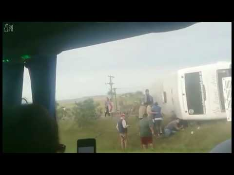 Dos nenas murieron al volcar un micro con alumnos que iban de viaje de estudio