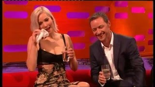 Download Toilet joke reduces Jennifer Lawrence to tears Mp3 and Videos